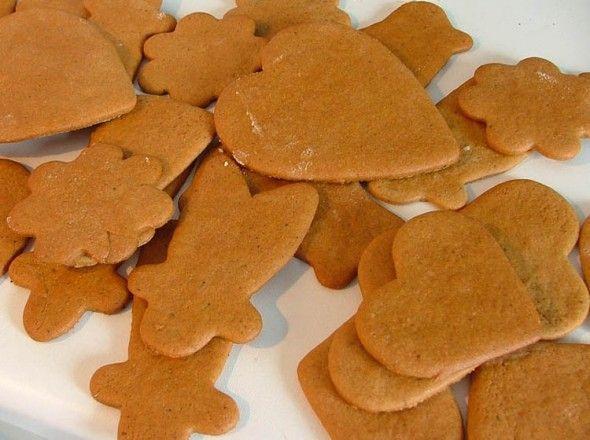 Freshly_baked_gingerbread_-_Christmas_2004