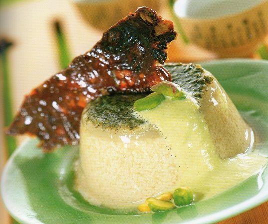 Flan-de-té-verde-a-la-vainilla-con-láminas-crocantes-al-pistacho